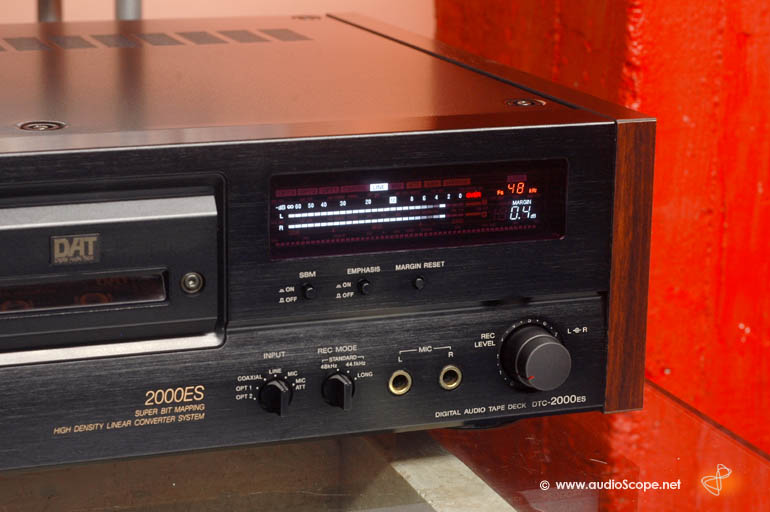 sonydtc2000esb-3.jpg